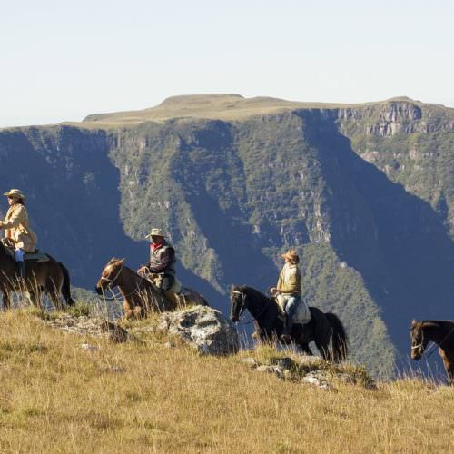 Riding Holidays in Brazil. Trail riding vacation. Horses - spectacular views.