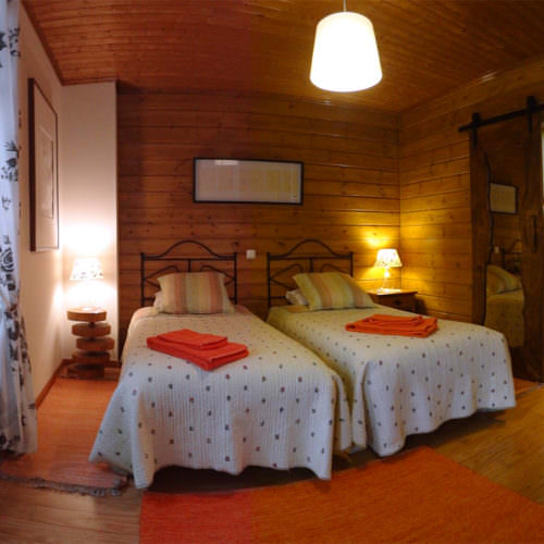 Typical twin room in the Ecotura house.